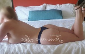 Esma-nur independent escort