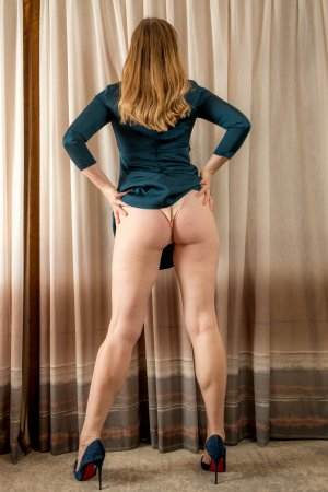 Hilary incall escort in Derby CT
