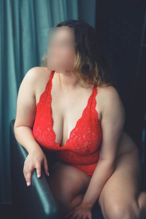 Naolie incall escort in Oregon City OR