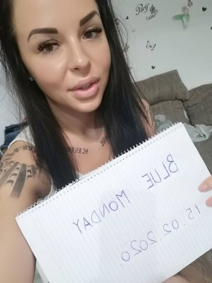 Kaili escort girl